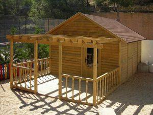 Mini club instalaciones para el ocio hotelero - Como se hace una casa de madera ...