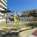Savia proyectos Parque acuatico Intertur Miami con zona splash y tobogán amarillo