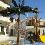 Savia proyectos Parque acuatico Intertur Miami con zona splashpad y tobogán amarillo