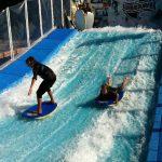 Savia proyectos niños surfeando y practicando bodyboard en wavesurfer