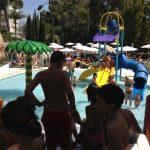 Savia proyecto Roc Costa Park parque acuático piscina con toboganes y zona splash niños y familias jugando