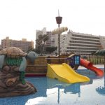 Savia proyectos parque acuático infantil con tobogán tortuga y barco pirata vista completa