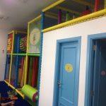Savia proyectos club duendes piscina de bolas y puerta baños