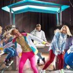 Savia proyectos con adolescentes bailando y dj