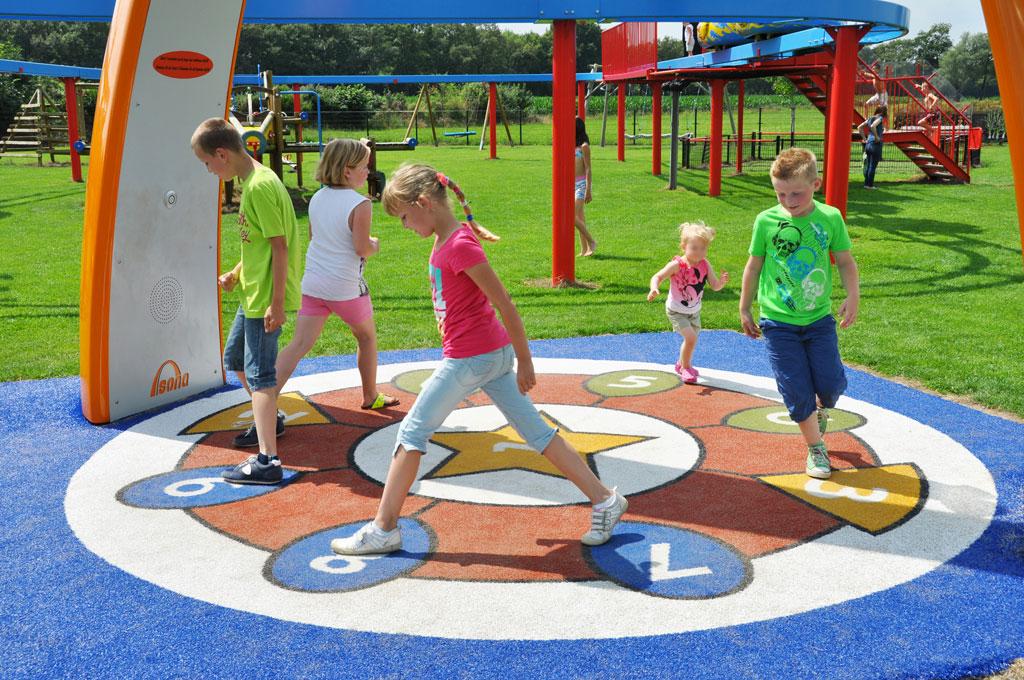Juegos Interactivos Instalaciones Al Aire Libre Savia Proyectos
