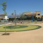 Savia proyectos parques_infantiles_inca montaña cuerda para escalada sobre suelo seguro