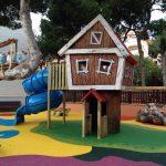 pavimento de seguridad zona infantil insitu Savia Proyectos caseta y tobogán