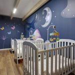 Savia proyectos miniclub infantil cunas blancas lunas y mariposas serigrafiadas en pared