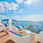Protur-alicia-hotel-terraza-bar-chill-out sofás cojines de colores vista mar