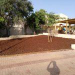 Savia proyectos vegetación y tierra al lado de parque infantil Ayto Palmanyola