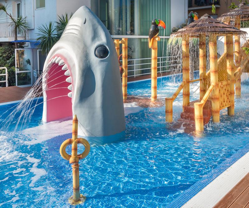 Savia proyectos splash pool tucán pasarela tiburón cascada GHT Hotel Balmes