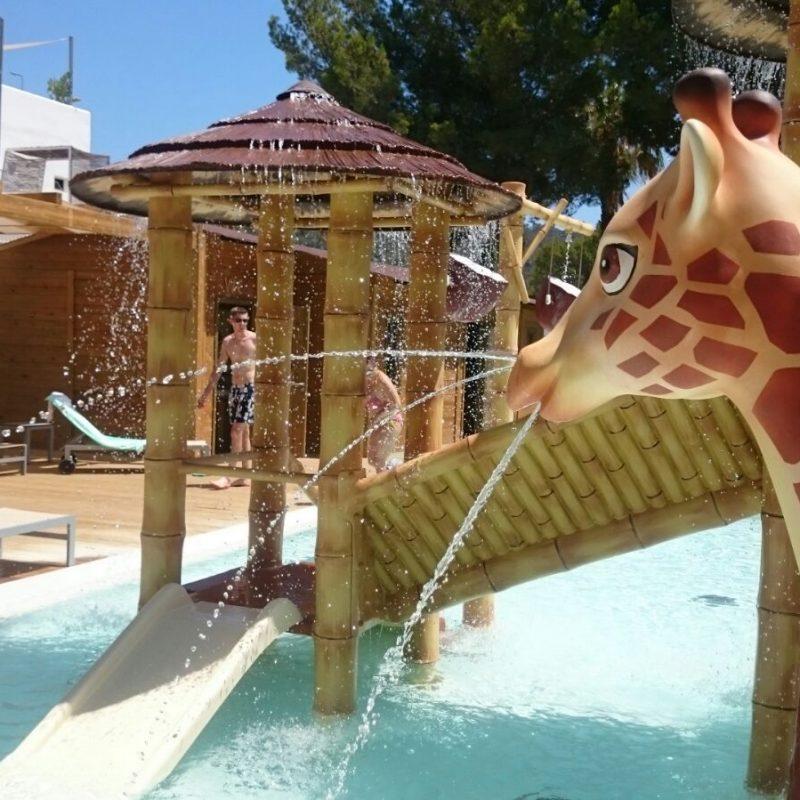 Savia proyectos parque acuático infantil jirafa splash pool BG Portinax Club