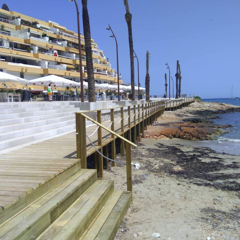 Savia proyecto Paseo Ses Pitiuses madera escaleras rocas