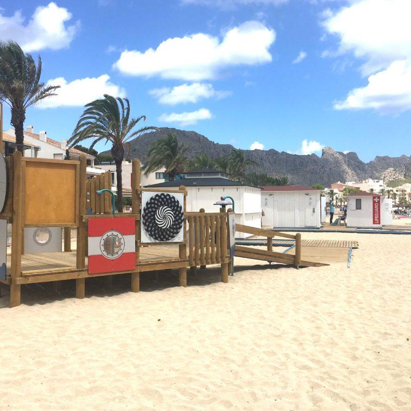 Savia parque infantil arena playa